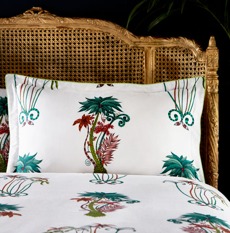 The Jungle Palms oxford pillowcase offers an exotic option for interior lovers