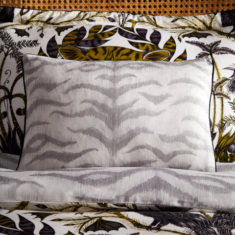 The tropical print Amazon bedding set is the perfect way to transform your bedroom