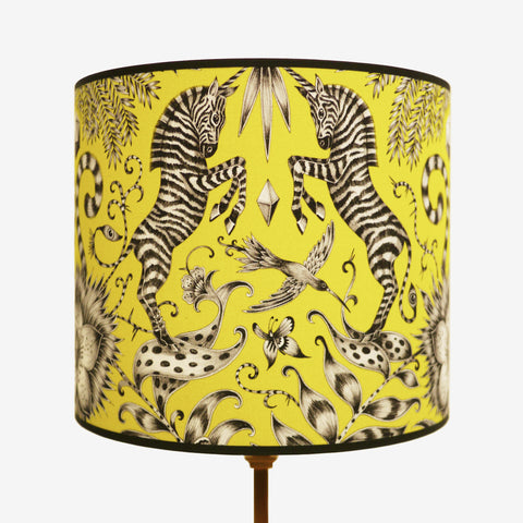 A luxurious 11 inch lampshade that captures the essence of a magical African savannah. This Emma J Shipley is perfect for bedside tables, reading nooks or side tables.