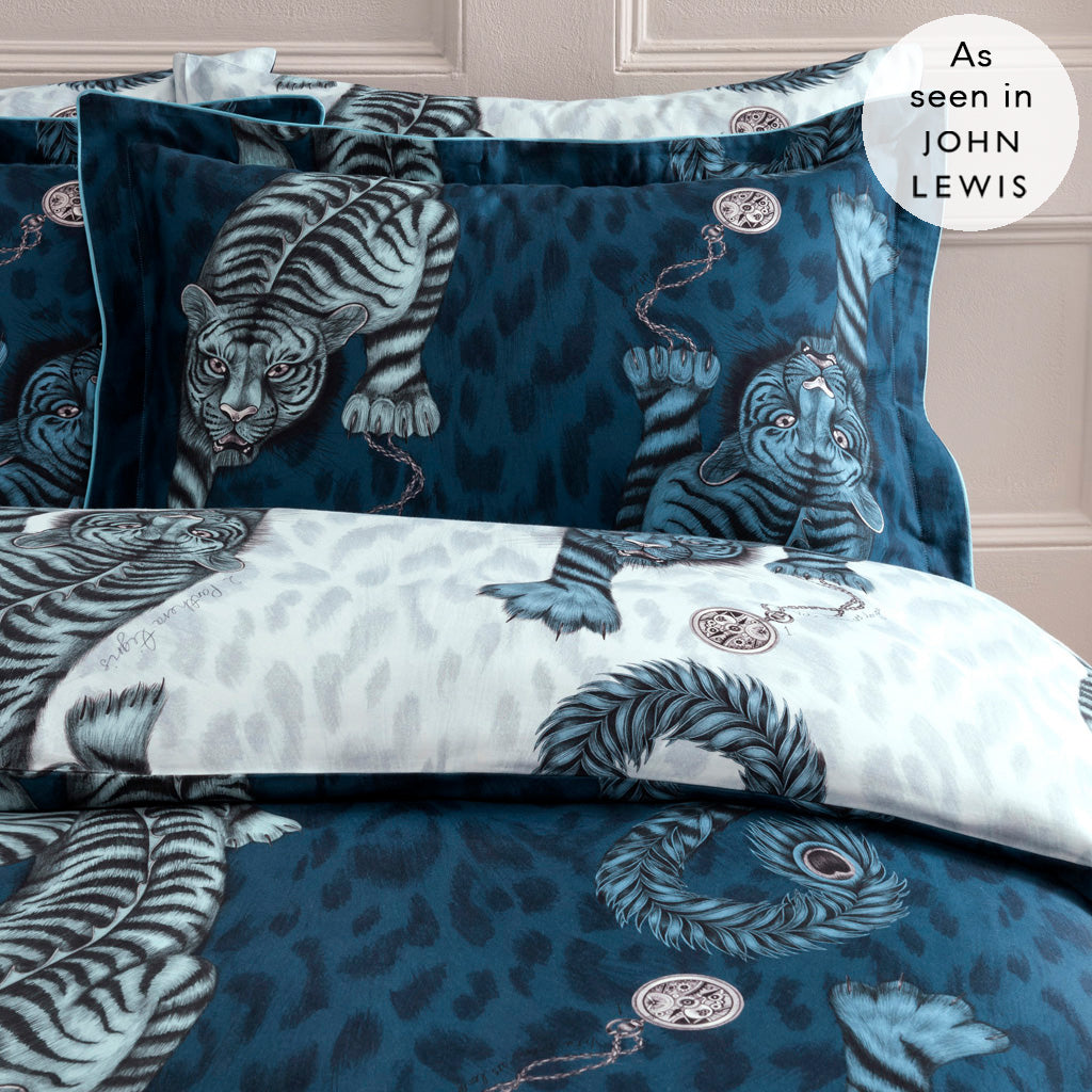 Complete your fantasy bedding with our Tigris Oxford Pillowcase, featuring an intricate hand-drawn scene of striking tigers with peacock tails crawling across a surreal landscape, inspired by Greek and Roman mythology.