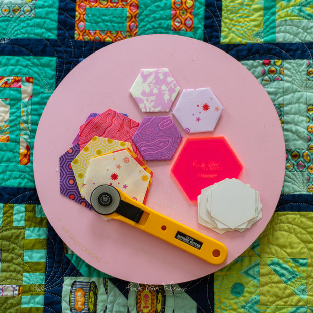 "1"" Hexagon Starter Kit - Acrylic Template and 30 Paper Pieces - ACRHEX100KIT"