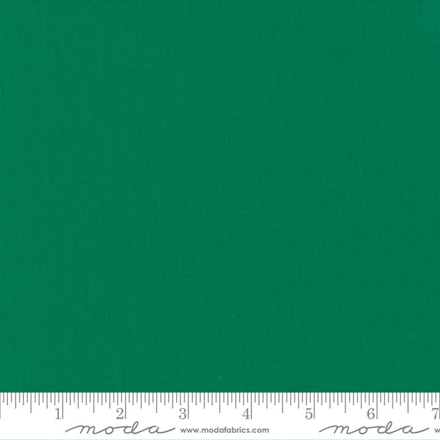Bella Solids - Emerald - 9900 268 - Half Yard