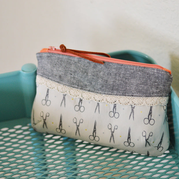 Pink Door Fabrics - The Curvy Clutch - Sewing Pattern