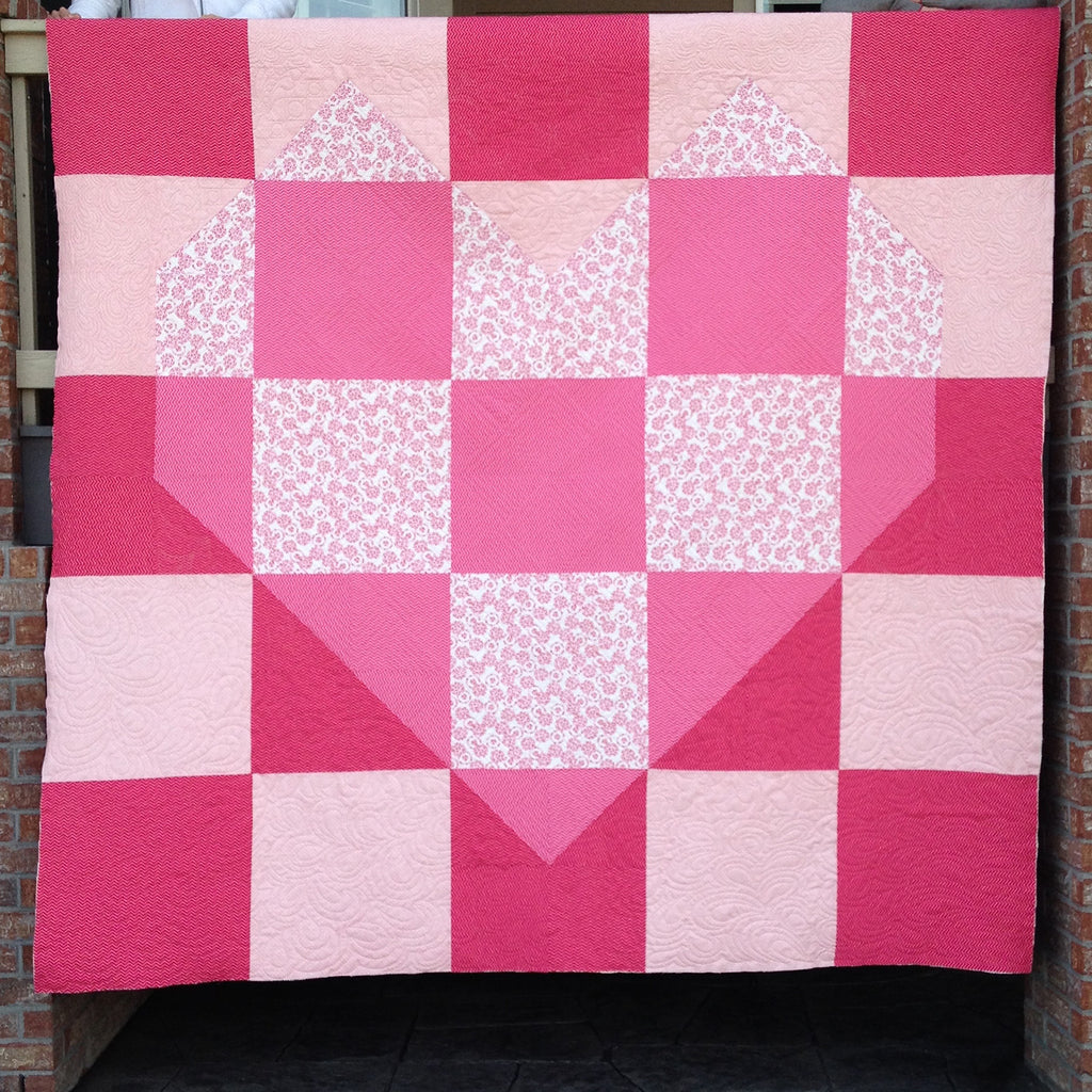 Pink door fabrics valentine 39 s quilt pattern for Red door design quilts