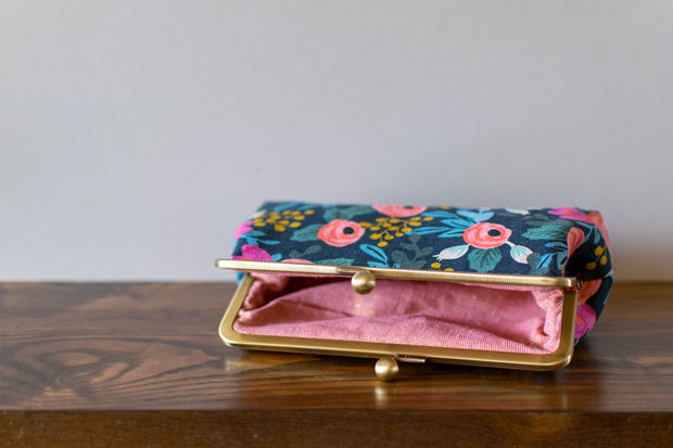 Pink Door Fabrics - The Isabelle Clutch - DIGITAL Sewing Pattern - PDF-128-D
