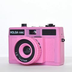 Holga 135 BC 35mm Camera (Pink)
