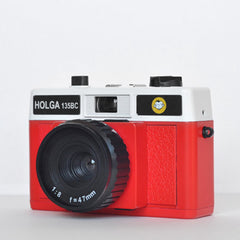 Holga 135 BC 35mm Camera (Red & White)