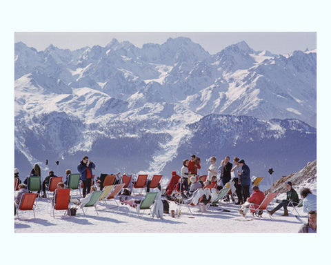 Skiing Waiters Art Print