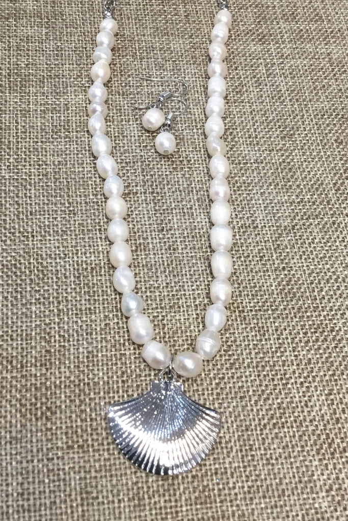 Pearl & Shell Necklace - Wild & Personal Boutique