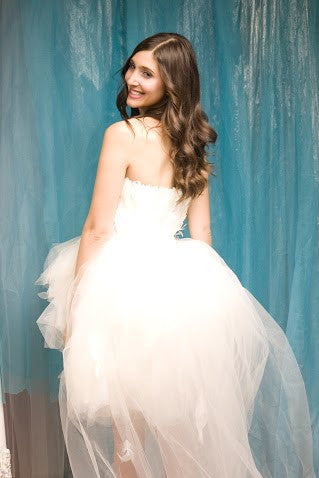 Glamorous Wedding Dress with Feather Bodice and Tulle Skirt | Trendy ...