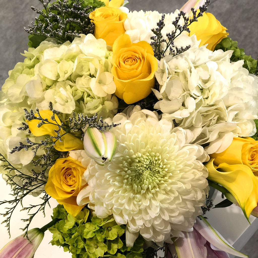 White & Yellow with Pink Sorbonne Lily Centrepiece