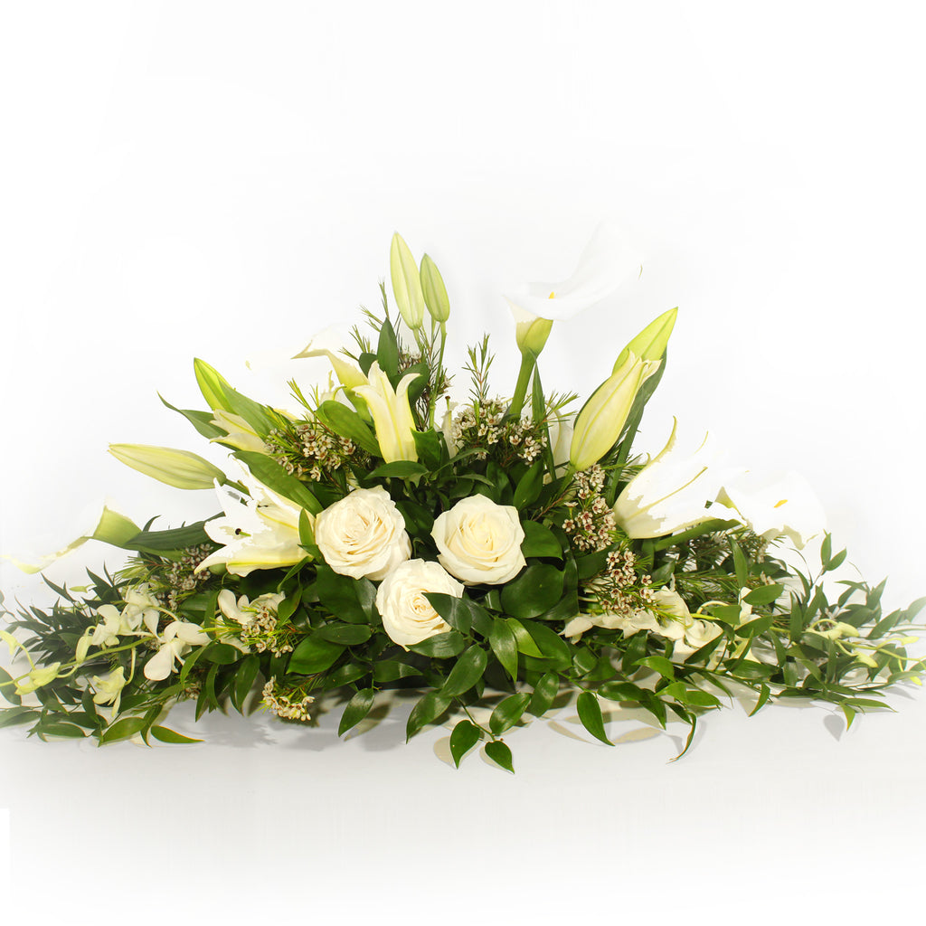 White and Green Centrepiece - Elongated