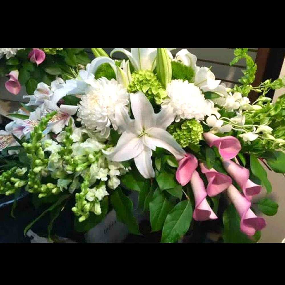 White and Pink Centrepiece - Elongated