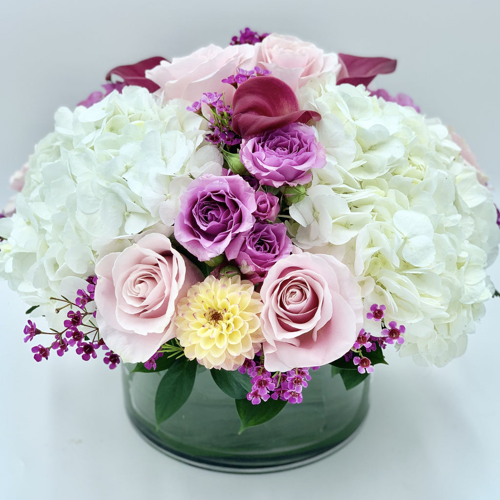 White, Purple and Light Pink Centrepiece
