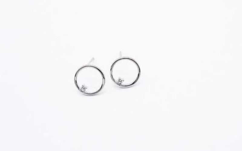 arion stud circle earring with stone