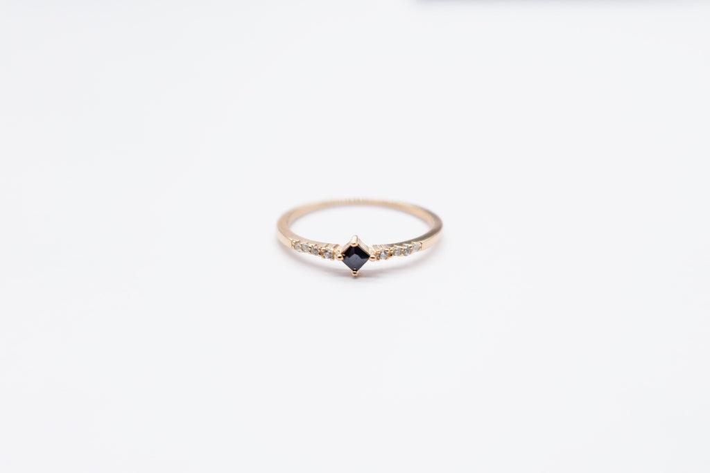 Arion rose gold plated ring black stone