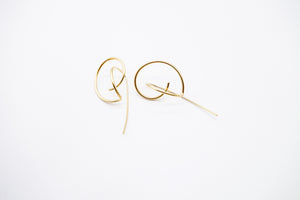 Intricate gold earrings arion
