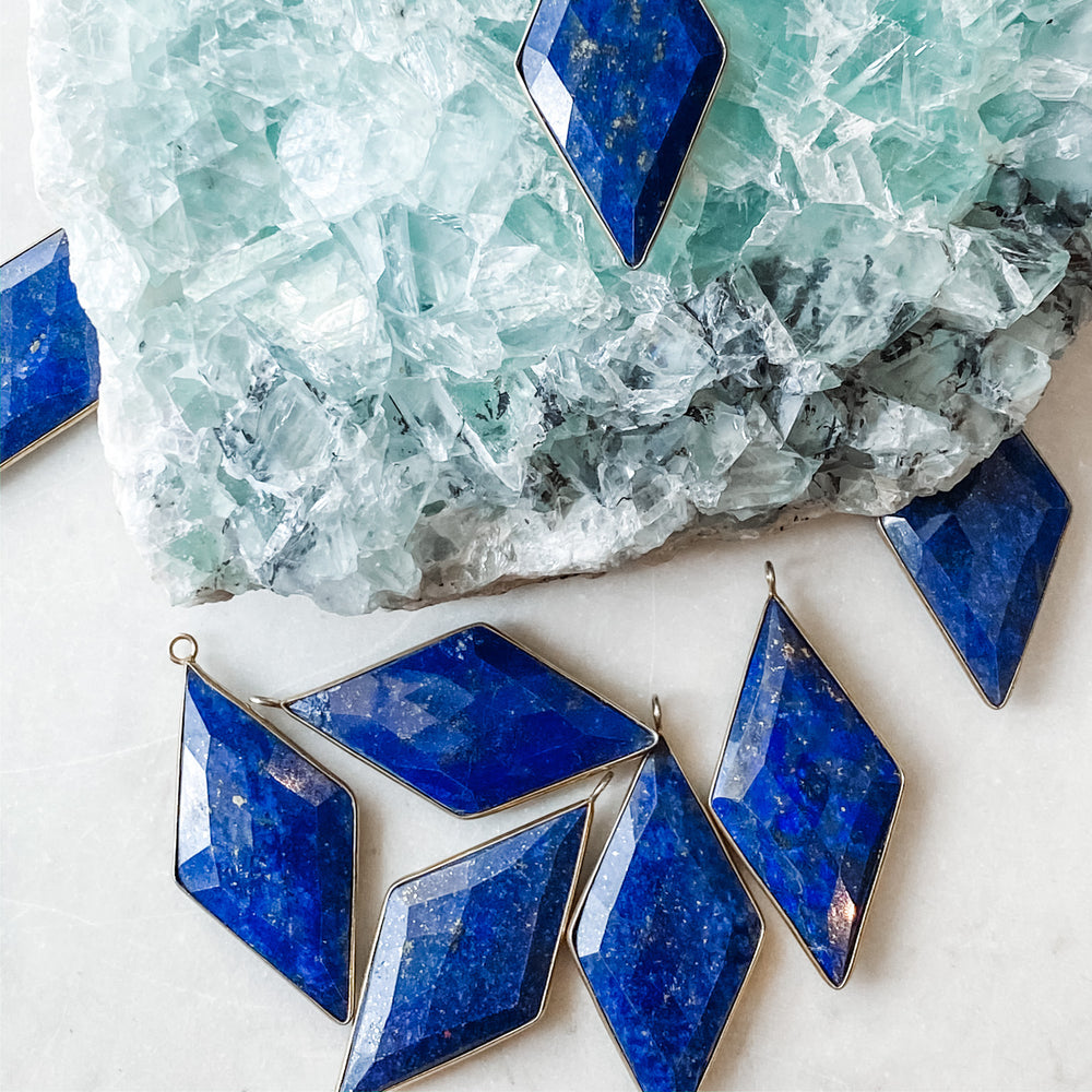 Load image into Gallery viewer, Deep Blue Diamond Lapis - Christine White Style