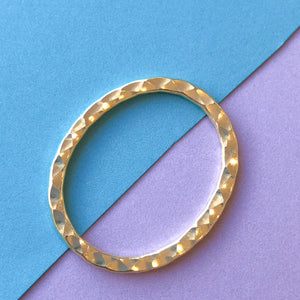 31mm Electroplated Gold Hammered Oval - 4 Pack
