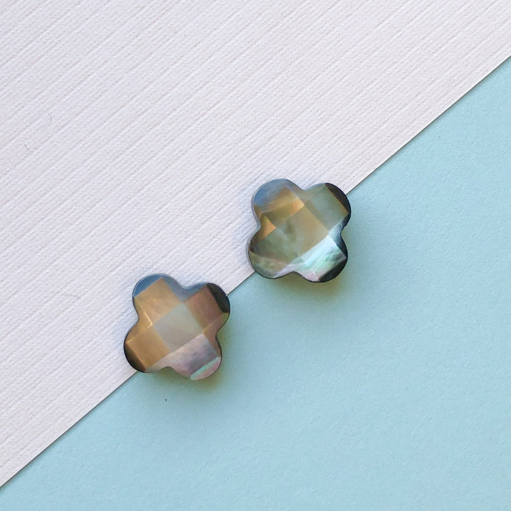 "Mother of Pearl Faceted Black ""Grade A"" Quatrefoil - 2 Pack"
