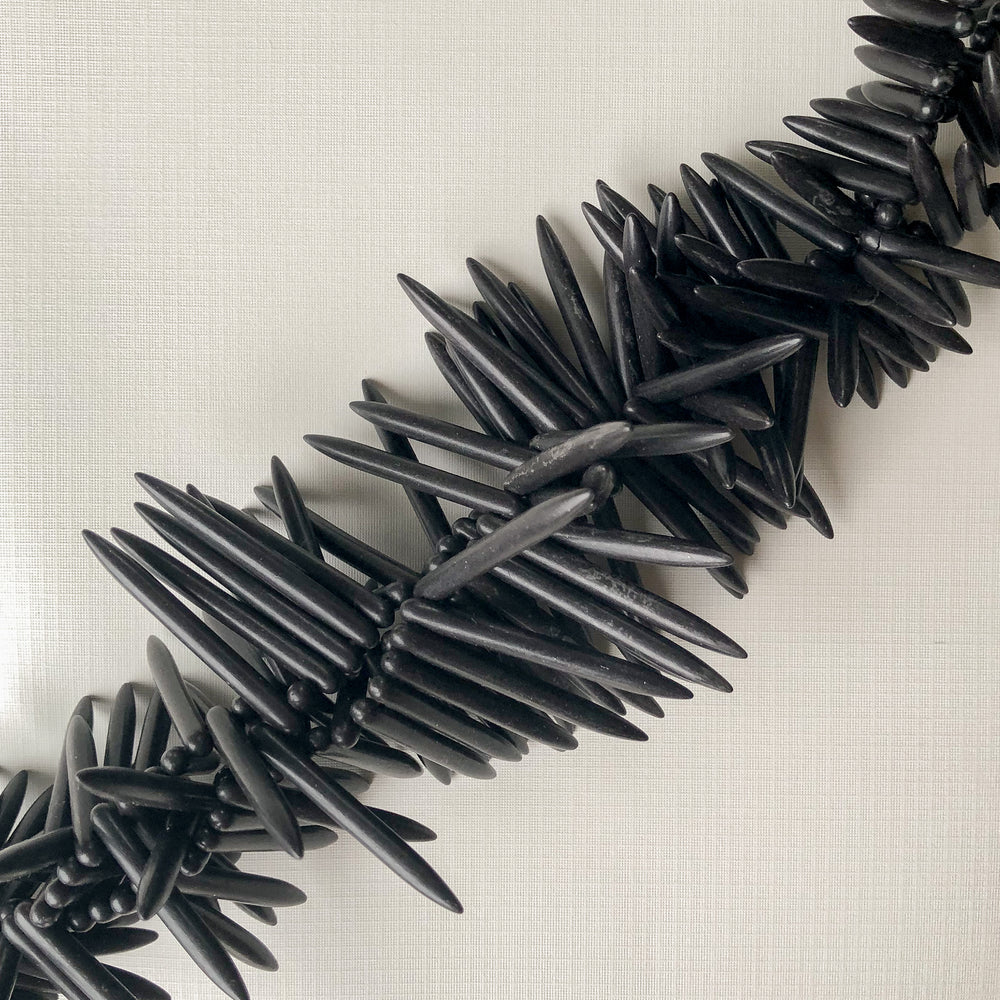 44mm Black Magnesite Spikes