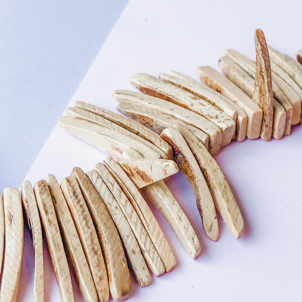 25mm Natural Wood Spikes Strand