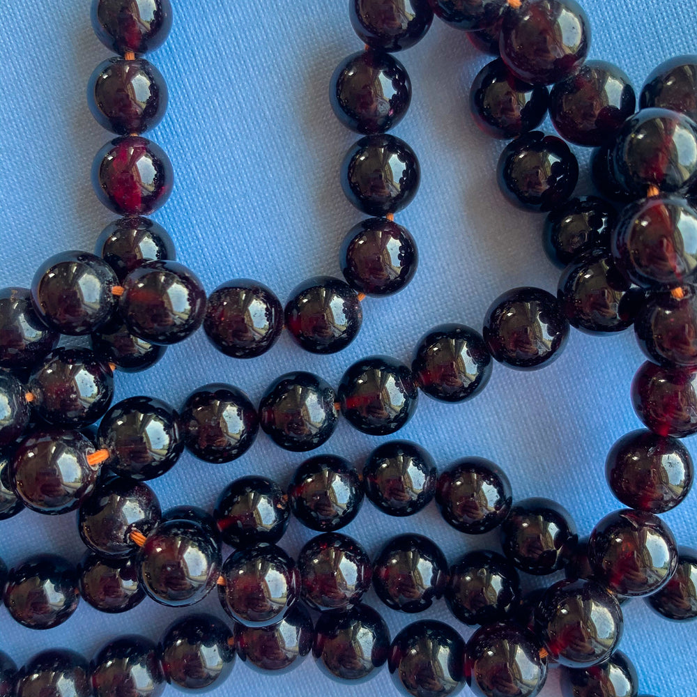 16mm Cranberry Wood Rounds Strand - Christine White Style