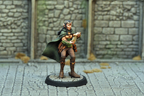 Otherworld Miniatures DAD14 - Female Elf Magic User