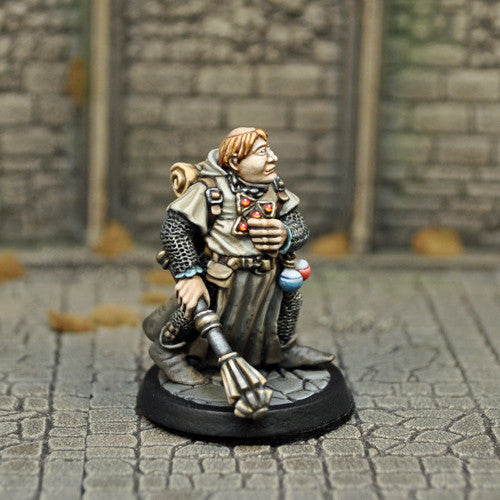 Otherworld Miniatures DAH2a - Human Male cleric v1