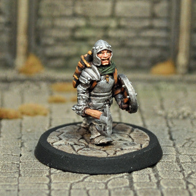 DAD11 - Male Halfling Fighter