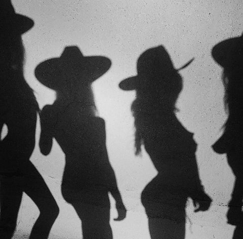 shadow of girls in hats tumblr pinterest