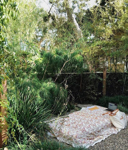 Outdoor bedroom inspiration picture