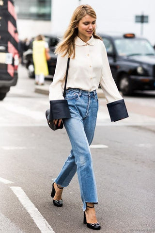 White blouse Blue denim jeans - Frayed bottoms - Outfit inspiration