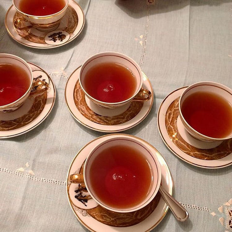 Red tea cups - Fashion blog - Inspiration