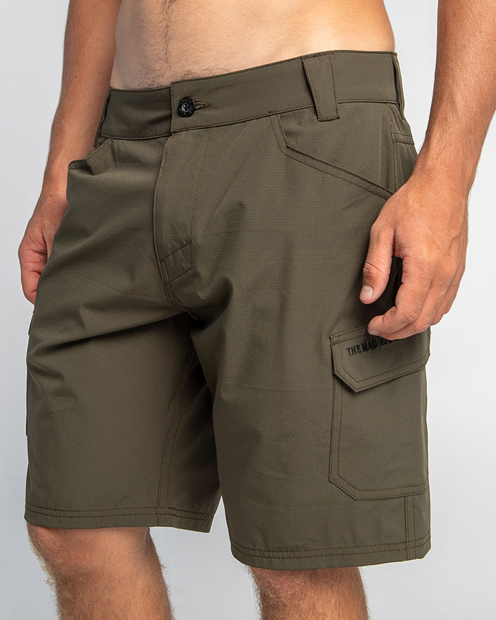 BUST UP HYBRID UTILITY SHORT 19""