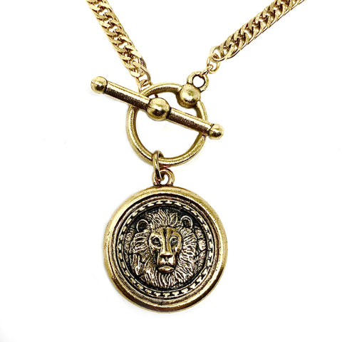 New! Intrépide Lion Coin Toggle Curb Link Necklace