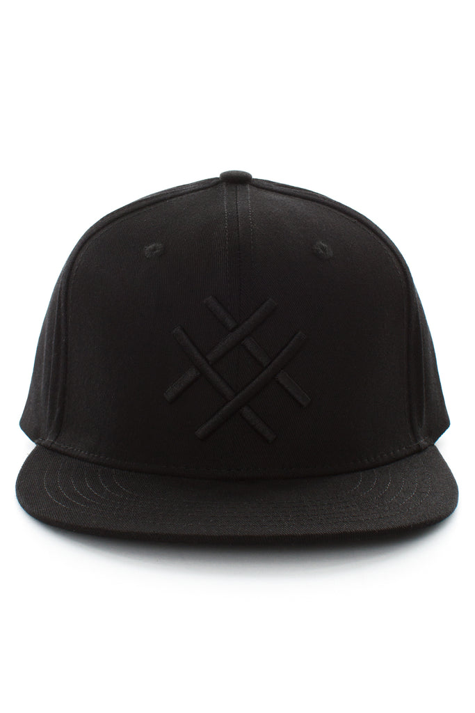 FITTED LOGO CAP | BLACK-BLACK