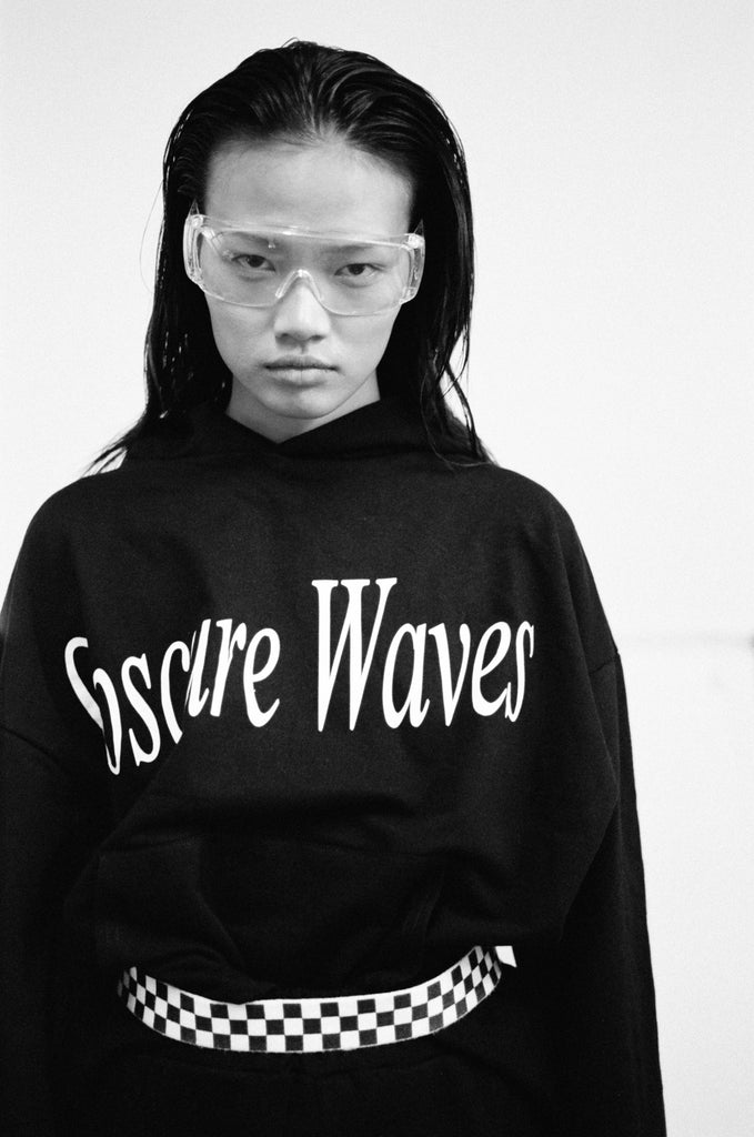 Obscure Waves / Text Hoodie Black