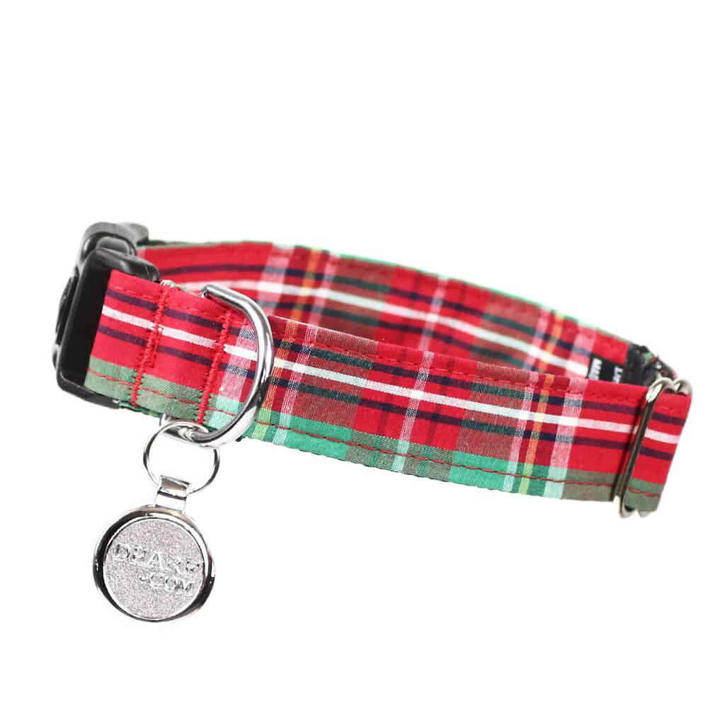Dharf adjustable dog collar in red and green tartan