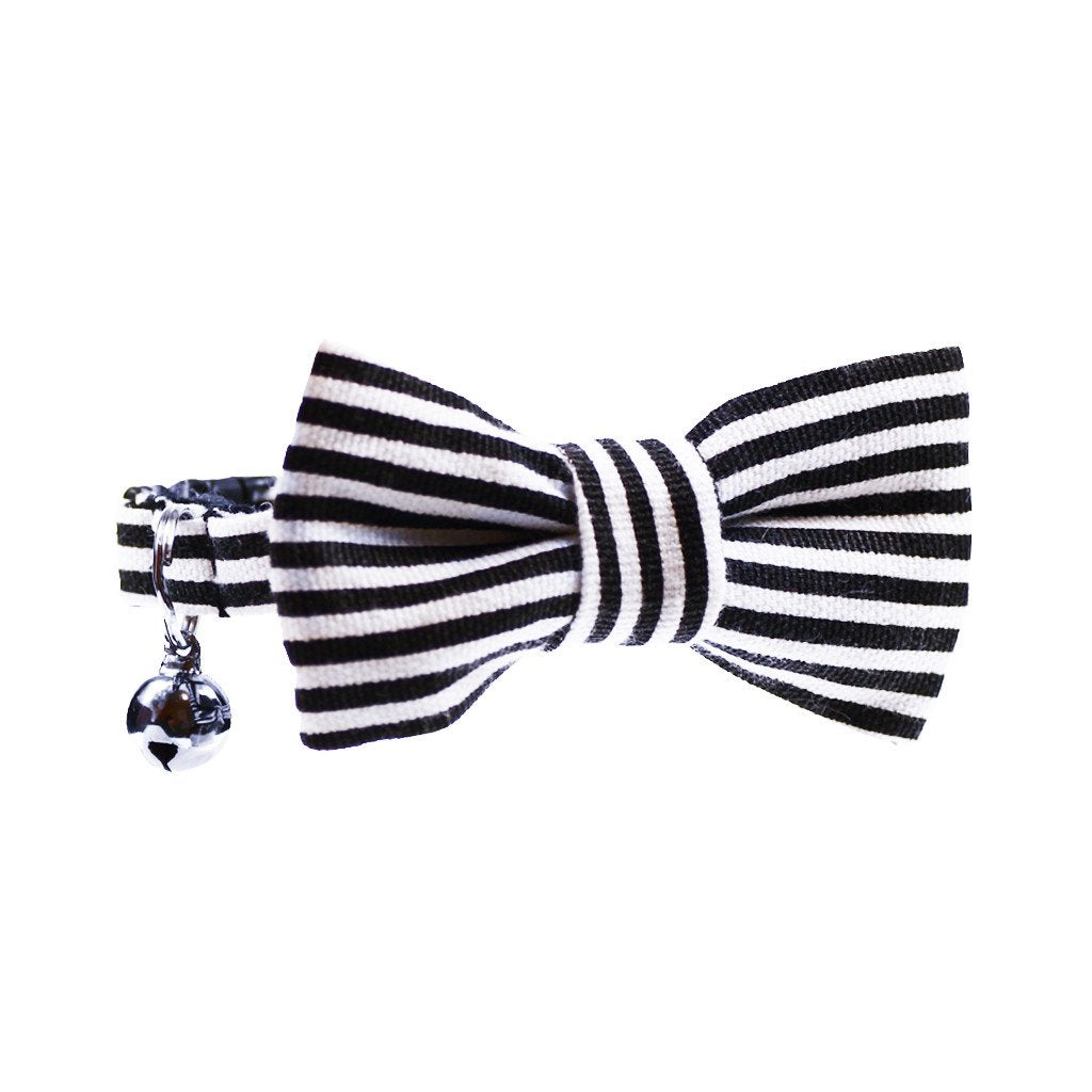Dharf cat collar, removable bow tie and bell in black and white stripes