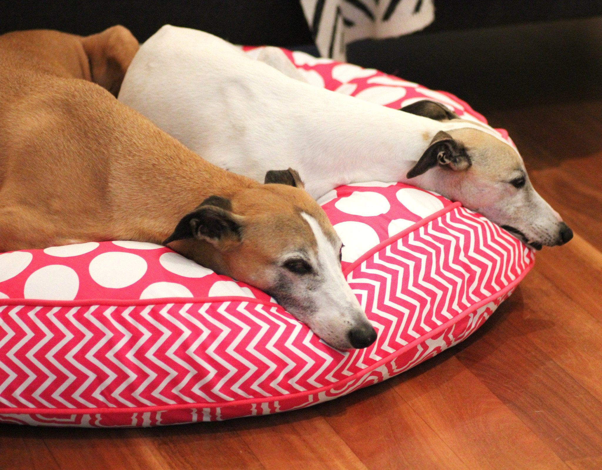 Dharf luxury dog bed with removable cover in pink and white geometric pattern