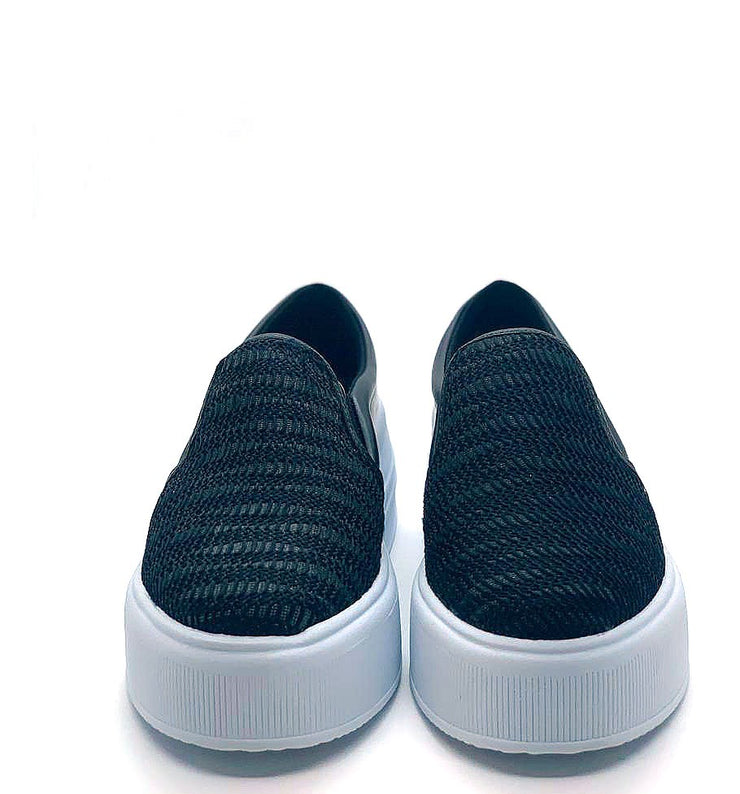 Tênis Slip on Mary's Crochê