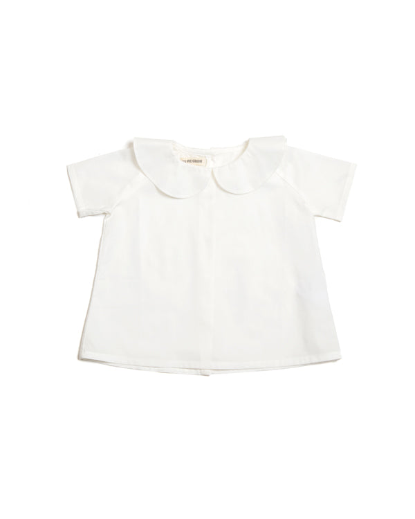 Vintage children's shirt with a peter pan collar, short sleeve. White.