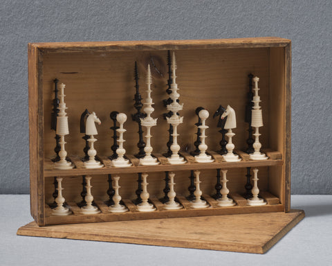 A Selenus Chess Set and Box, 18th century