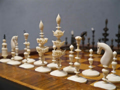 German Selenus Bone Chess Set, 18th century