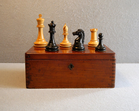"British Chess Co. ""Imperial Chessmen"" No. 2 S"
