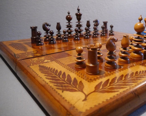 """Dublin"" Palisander Chess Set, 19th century"