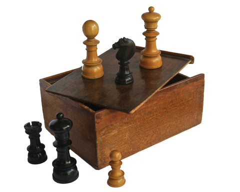 Edinburgh Upright Antique Chess Set