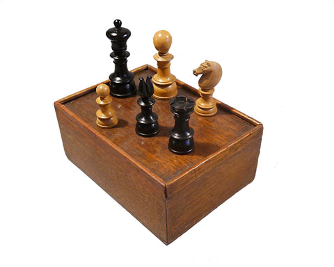Antique Edinburgh Upright Chess Set