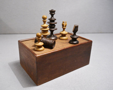 English Boxwood Chess Set, 18th century